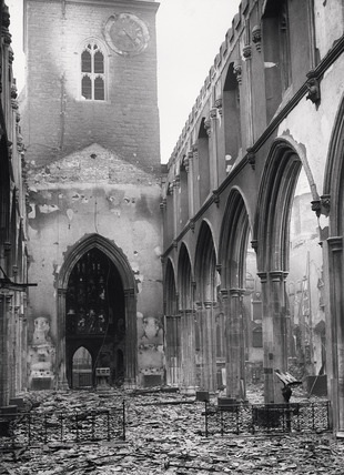 St Giles after the war. Source: medieval-London.blogspot.co.uk